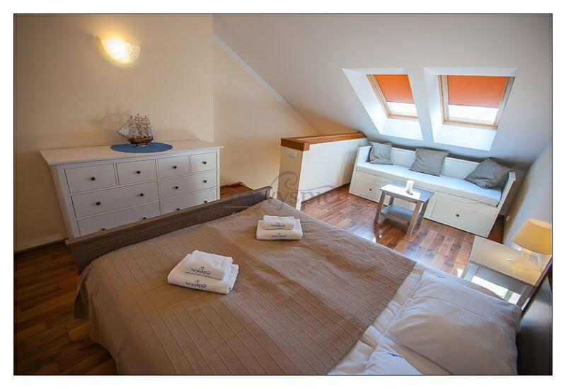 mistral 46 2 zimmer wohnung f r 2 4 personen 2 etage. Black Bedroom Furniture Sets. Home Design Ideas